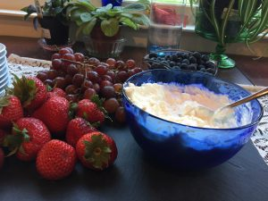 HEALTHY Summer Fruit Dip